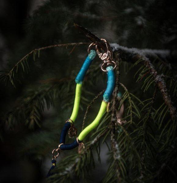Hundecollier-marineblau-türkis-gelb