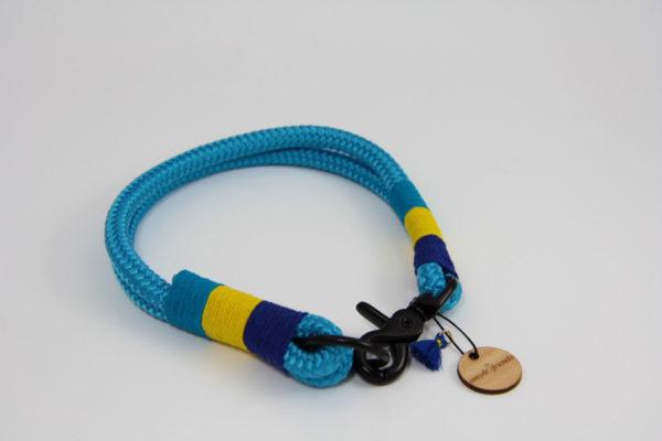 Tauhalsband-amy-and-friends-ozean-blau-dunkelblau-gelb-türkis
