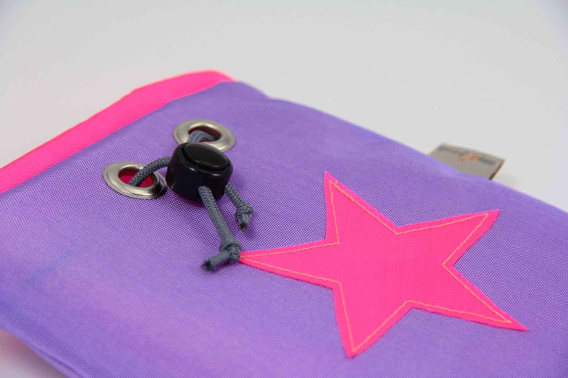 Leckerlibeutel-amy-and-friends-flieder-neonpink